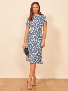 Reformation For The Real Life Dresses Of Your Dreams! - We Select Dresses Green Formal Dresses, Long Summer Dresses, Mid Length Dresses, Spring Dresses, Day Dresses, Casual Dresses, Midi Dresses, Floral Dress Outfits, Frack