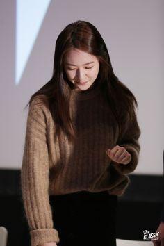 Post with 250 views. Krystal Fx, Jessica & Krystal, Jessica Jung, Krystal Jung Fashion, Kang Min Hyuk, Sulli, Victoria, Korean Girl Groups, Girl Crushes