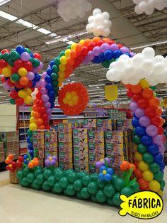 Balloon arches on pinterest balloon arch rainbow for Decoracion de supermercados