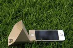 Portable iPhone Speaker Is Made from Recycled Paper