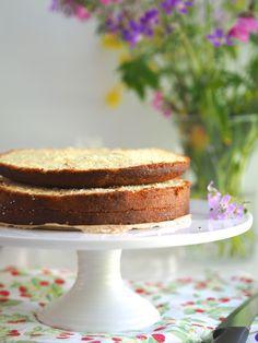 Mehevä Mantelikakkupohja Vanilla Cake, Anna, Desserts, Food, Tailgate Desserts, Meal, Dessert, Eten, Meals
