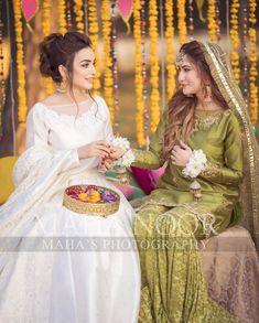 Shadi Dresses, Pakistani Dresses Casual, Pakistani Wedding Outfits, Latest Bridal Dresses, Bridal Outfits, Stylish Dresses For Girls, Lovely Dresses, Mayon Dresses, Haldi Function
