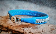 Tenntrådsarmband Bright blue leather bracelet Swedish by Sapire Reindeer Antlers, Special Gifts, Pewter, Unique Jewelry, Bright, Classic, Bracelets, Silver, Crafts