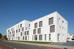 Eltheto Housing and Healthcare Complex,Courtesy of 2by4-architects