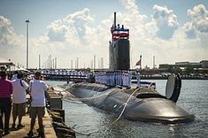 Commissioning of USS John Warner (SSN-785) - Manning the rails.jpg