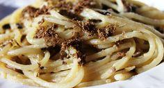 Sunday Pasta:  Spaghetti Chitarra alla Norcina (Black Truffles and Sausage)