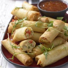 Snoek and Peppadew Spring Rolls recipe Healthy Family Meals, Healthy Snacks, South African Recipes, Ethnic Recipes, Rain Bow, Come Dine With Me, Good Food, Yummy Food, Spring Rolls