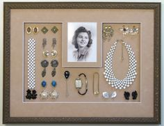 Christa Walter , 25 Amazingly Creative Ways To Repurpose Vintage Jewelry Schöne diy vintage schmuck kranz Source by . Vintage Jewelry Crafts, Vintage Costume Jewelry, Vintage Costumes, Jewelry Art, Antique Jewelry, Jewelry Holder, Jewelry Stand, Costume Jewelry Crafts, Necklace Holder