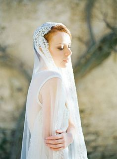 Beaded Lace Tulle Bridal Veil
