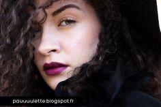"""Palette terre de soleil Warm (#83701) - Mascara effet naturel (#93001) - Rouge à lèvres hydratant Studio """"Wine Tour"""" (#82641) - Kit sourcils """"Medium"""" (#81302) - Soin quotidien hydratant teinté """"Natural"""" (#83182) http://www.eyeslipsface.fr/"""