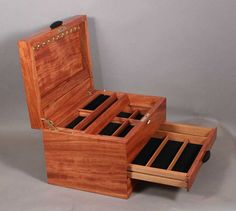 inlaid jewelry box featuring spectacular inlay panel