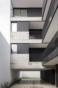 Image 9 of 37 from gallery of Donado 2325 Building / Estudio NDG + Lautaro Malnatti. Photograph by Fernando Schapochnik Fachada Colonial, Residential Building Design, Home Budget, Railing Design, Ground Floor, Deco, Townhouse, Facade, Architecture Design