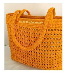 """Instagram'da Rengarenk Hobi Dünyası🌈: """"rengin güzelliği renkler insan hayatına enerji katıyor😍🙆🏼♀️ Reposted from @elifonderkav - Tatatataaaammm benim güzel hardal rengi çantamın…"""" Free Crochet Bag, Love Crochet, Crochet Motif, Crochet Designs, Single Crochet, Knit Crochet, Net Bag, Easter Crochet, Crochet Handbags"""