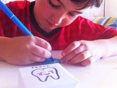Cajita guarda dientes. Un DIY fácil y rápido. Guardar los dientes para el Ratoncito Pérez en esta cajita  http://manualidades.euroresidentes.com/2014/08/cajita-guarda-dientes-para-el-ratoncito.html