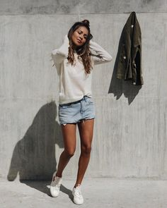"""Polubienia: 7,715, komentarze: 27 – Shop Sincerely Jules (@shop_sincerelyjules) na Instagramie: """"Stepping into the weekend like... 