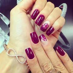 Burgundy nail designs have a trendy feel to them and are much adored by women of all age brackets. Whether young or old, Burgundy nails. Burgundy Nail Designs, Burgundy Nail Art, Purple Nails, Burgundy Color, Pink Purple, Maroon Nails, Purple Style, Purple Rings, Purple Sparkle