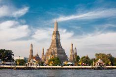 """Bangkok'un resmi adını okuyabilen var mı?     Krungthepmahanakhonamonrattanakosinmahintarayutthayamahadilokphopnoppharatratchathaniburiromudomratchaniwetmahasatharnamornphimanawatansathitsakkathatiyawitsanukamprasit.     Taylandlılar bile söylemekten yorulmuş olacaklar ki tapınakları ile ünlü şehre kısaca """"Krungthep"""" yani """"Melekler Şehri"""" diyorlar :)"""