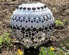 UNIQUE garden art made with recycled glass and mosaics by GlassBlooms Gem Crafts, Mosaic Crafts, Mosaic Art, Mosaic Tiles, Mosaic Bowling Ball, Garden Globes, Shops, Mosaic Garden, Unique Gardens