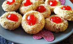 A delicious almond cookie, with a cherry on top! Ideal for Valentine's Day or Christmas!