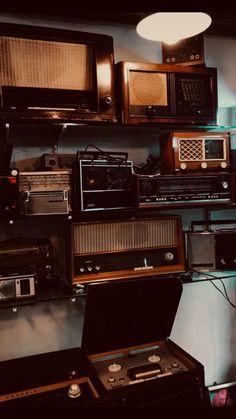 Nostalgie # 2 - ektiim ve ektiin Ho Fotolar Music Aesthetic, Brown Aesthetic, Aesthetic Vintage, Aesthetic Photo, Aesthetic Pictures, Aesthetic Backgrounds, Aesthetic Iphone Wallpaper, Aesthetic Wallpapers, Music Backgrounds