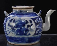 Small-Antique-Chinese-Blue-and-White-19th-Century-Porcelain-Teapot