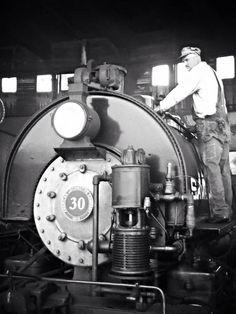 Steam Train rides at 11 A.M., 1 P.M., 2 P.M., and 3 P.M. at the  Georgia State Railroad Museum in Savannah!