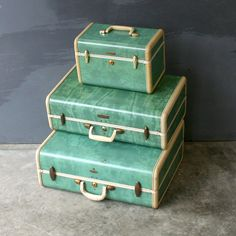 From the era when luggage looked classy--Samsonite Luggage Trio