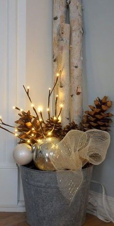 Rustic Christmas decorations for a warm cozy home . - Rustic Christmas decorations for a warm cozy home Calendar - After Christmas, Noel Christmas, All Things Christmas, Natural Christmas, Christmas Christmas, Christmas Ornaments, Thanksgiving Holiday, Christmas Porch Ideas, Beautiful Christmas