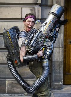Now that is a serious steampunk gun