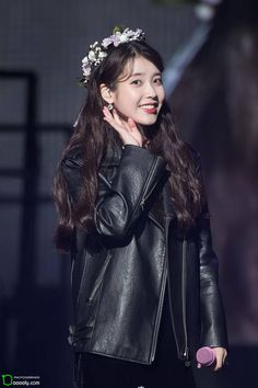 "IU 171203 ""Palette"" Tour Concert 2017 in Cheongju Half Korean, Korean Star, Korean Girl, Korean Actresses, Korean Actors, Actors & Actresses, Yoona, Kpop Outfits, Korean Singer"