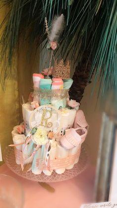 Dream catcher Diaper Cake Baby Girl Shower Themes, Baby Shower Decorations For Boys, Baby Shower Fun, Baby Shower Gender Reveal, Baby Shower Gifts, Diaper Cake Boy, Diaper Cakes, Bolo Fack, Indian Baby Showers