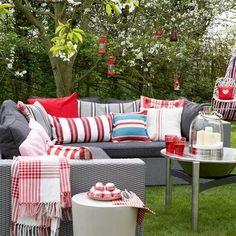 Rattan Garden Furniture Sofa Set Dark Ideas For 2019 Living Room Ideas 2019, Outdoor Living Rooms, Outdoor Couch, Living Room Red, Outdoor Spaces, Living Spaces, Outdoor Decor, Outdoor Lounge, Furniture Sofa Set