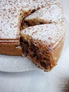 La torta quattro tazze al cocco senza burro e olio incarna alla perfezione quella che si può definire una piccola dolcezza sana e leggera sotto forma di una torta morbidissima, senza grassi ma anche se nza uova. Com'è possibile? Segui la ricetta e
