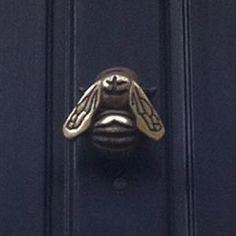 Bee doorknocker by echkbet