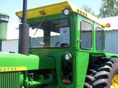 The 4020,5020 wore this cab in mid to late 1960s