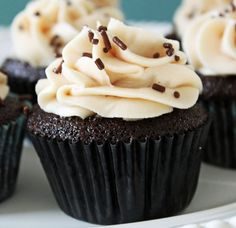 Wendy's Food Files: Salted Caramel Chocolate Cupcakes