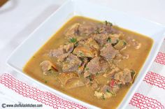 Close up picture of Nigerian goat meat pepper soup Goat Recipes, Sauce Recipes, Cooking Recipes, Chili Recipes, Seafood Recipes, Egusi Soup Recipes, Stuffed Pepper Soup, Stuffed Peppers, Nigeria Food