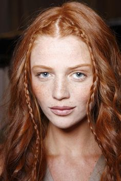 Looks Celtic <3 Red Freckles, Redhead With Freckles, Redheads Freckles, Natural Redhead, Redhead Girl, Irish Redhead, Redhead Makeup, Au Natural, Natural Beauty