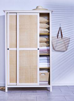 Ikea hack: Ikea 'Hemnes' closet with raffia paneled doors Hemnes Wardrobe, Wardrobe Doors, Ikea Wardrobe Hack, Wardrobe Ideas, Home Improvement Projects, Home Projects, Armoire Ikea, Shelving Solutions, Ikea Furniture
