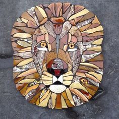 Sticking with the wildlife theme. Stone Mosaic, Mosaic Glass, Mosaic Tiles, Mosaic Crafts, Mosaic Projects, Mosaic Designs, Mosaic Patterns, Fused Glass Art, Stained Glass
