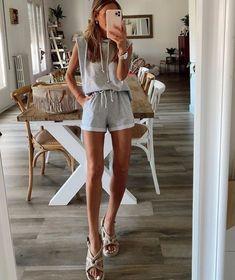Muscle tee - aposte na tendência fashion com inspirações e faça a sua Jessica Lucas, Bermudas Shorts, Bota Over, Grey Hoodie, Drawstring Waist, Gray Color, Sporty, Rompers, Shirt Dress