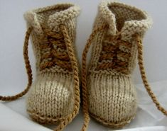 Knitting Patterns Booties Ravelry: Combat booties pattern by Janet Tamargo Knitting For Kids, Baby Knitting Patterns, Knitting Socks, Baby Patterns, Free Knitting, Crochet Shoes, Crochet Slippers, Knit Or Crochet, Crochet Pattern