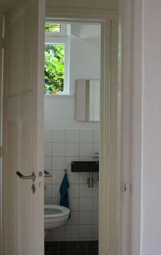 Utrecht aanvulling jaren 30 tegels voor een zwevend toilet 3d ontwerp monique - Deco toilet ontwerp ...