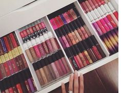 Lip drawer