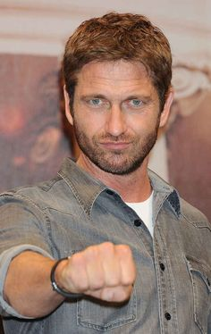 "Gerard Butler | The 15 ""Hottest"" Male Celebrities, According To Straight Guys-ABSOLUTELY AGREE, SUPER HOT!!!"
