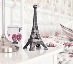 Image via We Heart It https://weheartit.com/entry/88906236/via/15688039 #bedroom #nice #paris #pink #tower #vintage #white #sliver