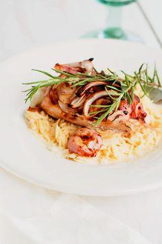 Sweet Rosemary Chicken Over Parmesan Orzo ny marshallsabroad #Chicken #Rosemary #Orzo