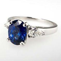 NATURAL BLUE SAPPHIRE & PEAR CUT DIAMOND RING PLATINUM