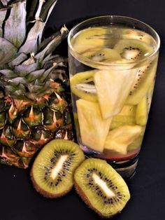 Ovocná voda: ananas a kiwi Pineapple, Fruit, Food, Pine Apple, Essen, Meals, Yemek, Eten