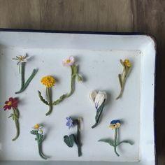 今回、たじまさんの絵に合わせる為に、新しい野の花を編みました。 いくつかは定番にしよう。 #Tralalala_crochet